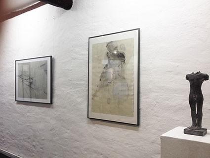 """""""In der Tat scheint diese Exposition von Bildern und Skulpturen fast wie eine kleine Symbiose, in der sich die Arbeiten beider Künstlerinnen wunderbar ergänzen und bedingen."""" (svz vom 4.7.2018, nach der Austellungseröffnung)"""