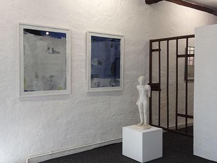 Ausstellungseröffnung am 1. Juli 2018, 11 Uhr <br/> Liane Hoßfeld, Zeichnung und Malerei und Emerita Pansowová, Skulptur,<br/> in der Galerie ebe in Parchim mit Anschließendem Sommerfest der Galerie<br/>Musik: Silke Gonska und Frieder W. Berger